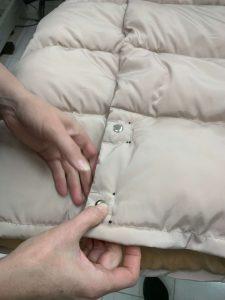 На фото одежда с заклепками